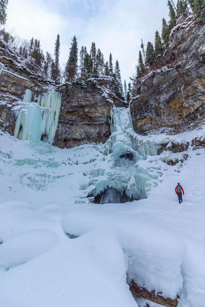 Nesbitt's Knee falls in winter
